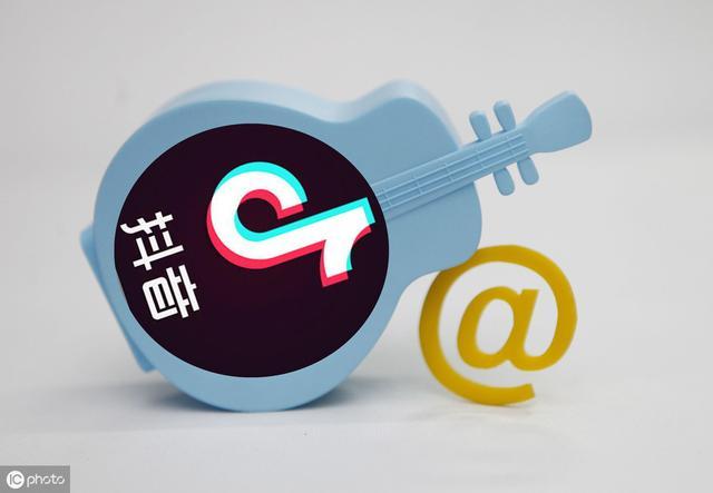当你以为了解<a href='http://mcnjigou.com/?tags=3'>抖音</a>的时候,看看别人如何用<a href='http://mcnjigou.com/?tags=3'>抖音</a>月入数十万!